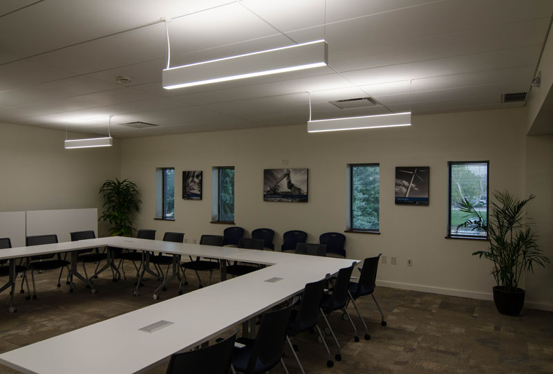 Warm contemporary conference and meeting room
